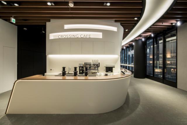 """日産""""CROSSING CAFE""""(クロッシングカフェ)銀座の画像・写真"""